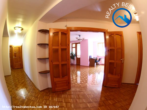 Продажа 5-комнатной квартиры, Симферополь, Тургенева