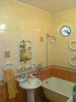 Продажа 3-комнатной квартиры Луганск, центр Луганска